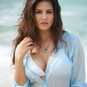 Sunny Leone HD Wallpapers 1.11 Android for Windows PC & Mac